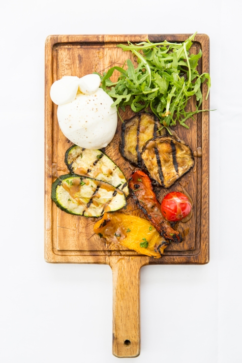 Burrata con Verdure Grigliate apulia cheese & grilled vegetables with balsamic dressing (v) gf £8 (2)