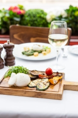 Burrata con Verdure Grigliate apulia cheese & grilled vegetables with balsamic dressing (v) gf £8 (3)