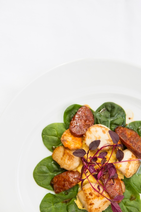 Capesante con Mais e Chorizo seared sea scallops with creamy sweetcorn & chorizo £9.5 (2)