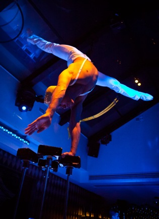 Circus - Felipe handbalance 3