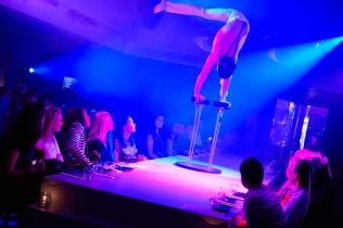 Circus - Felipe handbalance