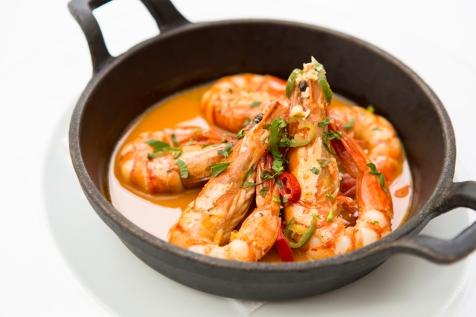 Gamberoni in Padella king prawns on the pan served in a parsley, garlic lemon & chilli sauce gf £14 (1)