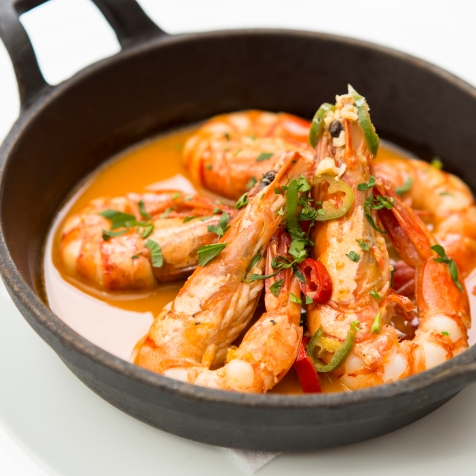Gamberoni in Padella king prawns on the pan served in a parsley, garlic lemon & chilli sauce gf £14 (1)