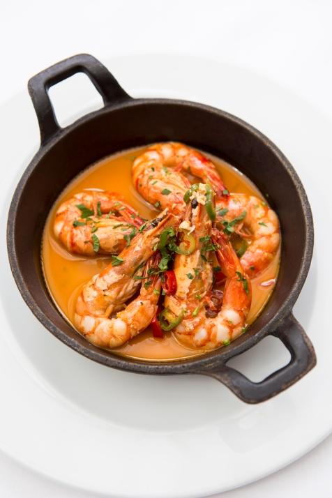 Gamberoni in Padella king prawns on the pan served in a parsley, garlic lemon & chilli sauce gf £14 (2)