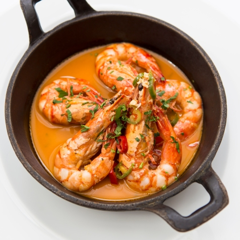 Gamberoni in Padella king prawns on the pan served in a parsley, garlic lemon & chilli sauce gf £14 (2)