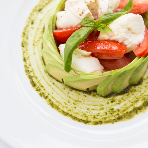 Insalata Tricolore mozzarella, plum tomato & avocado salad based with pesto sauce (v) (n) gf £7.5 (1)