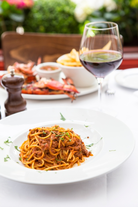 Spaghetti al Ragu classic spaghetti bolognese £9 (2)