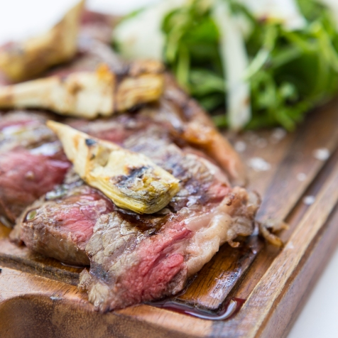 Tagliata di Manzo con Carciofi Marinati beef sirloin with marinated artichokes & parmesan shavings £18 (3)