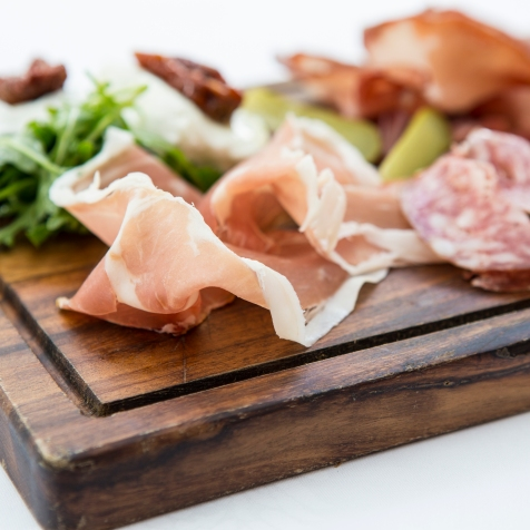Tagliere di Salumi selection of salami, parma ham, sundried tomatoes & mozzarella (Platter for 2) gf £12 (4)