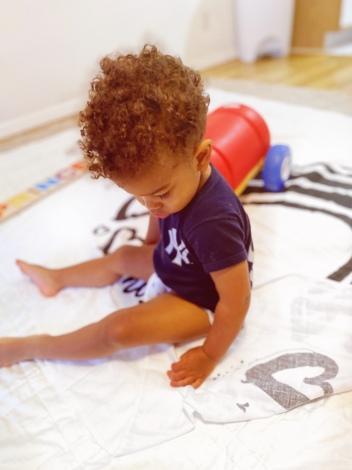 Prince playing Baby Jives 10