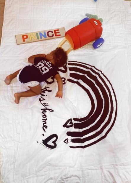 Prince playing Baby Jives 7